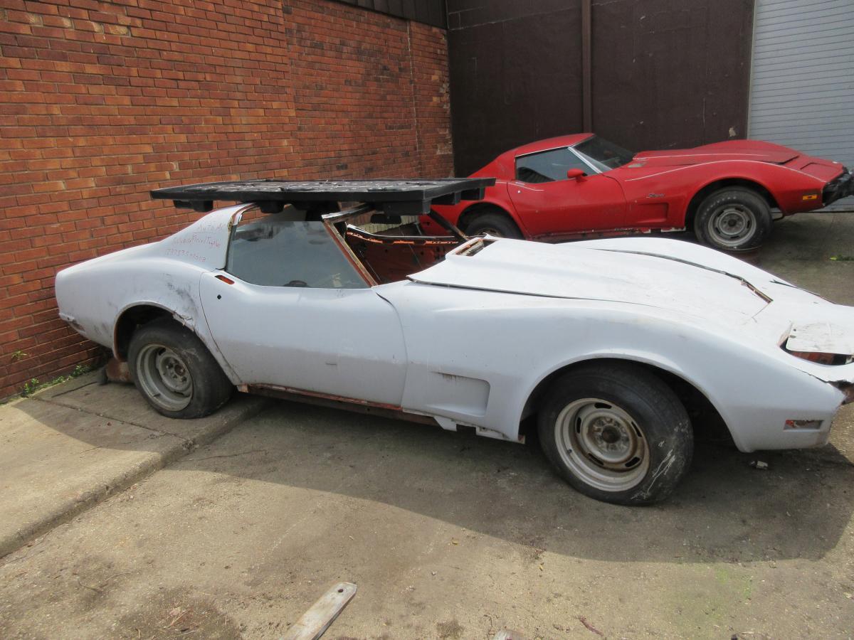 1973 Corvette White Coupe Parts Car L-48 Auto AC Rear Clipped