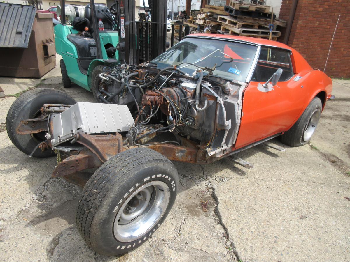 1971 Corvette Red Coupe Parts Car was 350 Auto PS PB AC