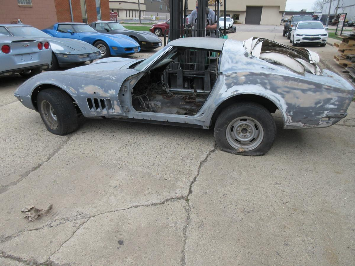 1968 Corvette Coupe in Primer Parts or Project Car with Nice 1975 Chassis