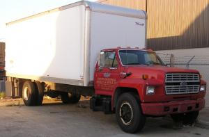 1991 Ford F700 Rebuilt No Miles 429, 5 Speed Trans, 2 Speed Axle, 24' FRP Box