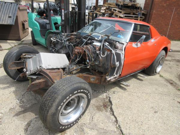 1971 Corvette Red Coupe Parts Car was 350 Auto PS PB AC
